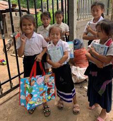 素敵な笑顔の子供達